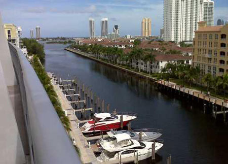 Artech residences in Aventura for sale and rent