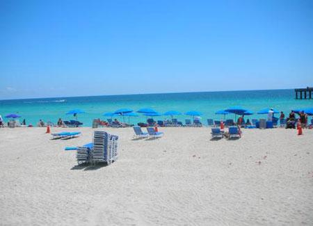 Sunny Isles Beach La Perla Condo