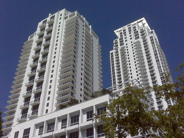 1060 Brickell apartments for sale and rent
