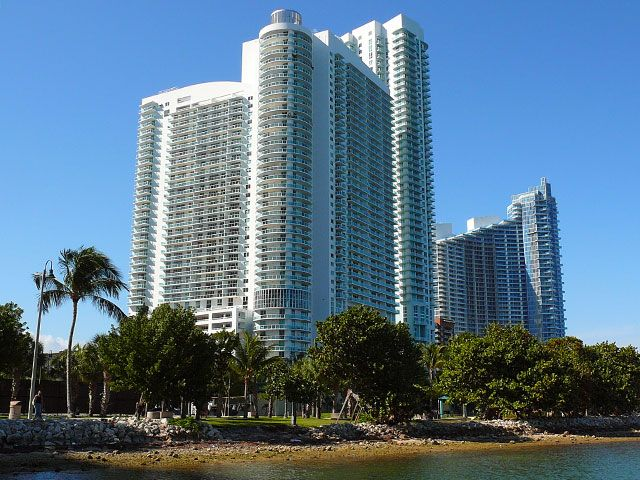 1800 Club apartments for sale and rent