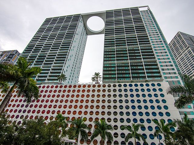 500 Brickell apartments for sale and rent