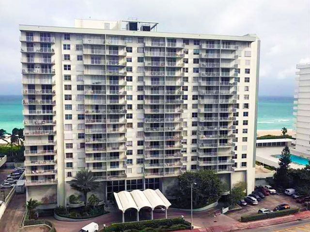 Arlen Beach Condo For And Miami