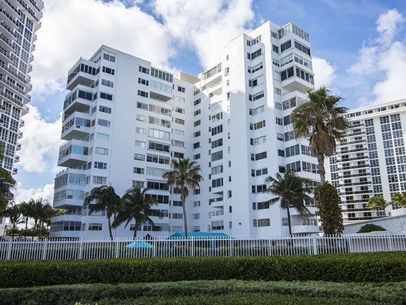 Bal Harbour luxury oceanfront condos for sale and rent