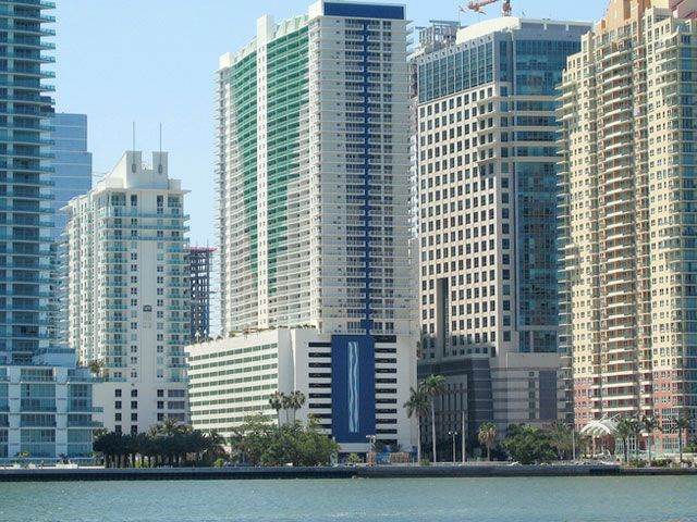 Club at Brickell apartments for sale and rent