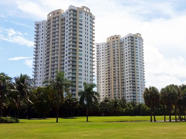 Duo Hallandale apartments for sale and rent