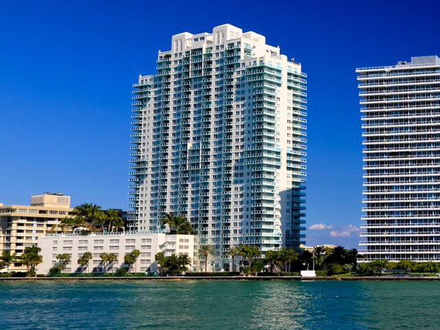 Floridian apartments for sale and rent