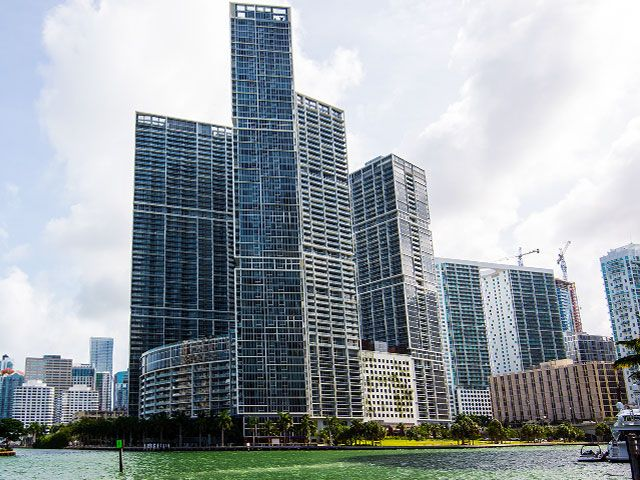 Icon Brickell apartments for sale and rent