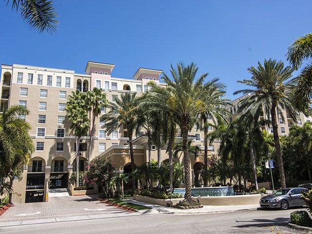 Las Olas by the River apartments for sale and rent