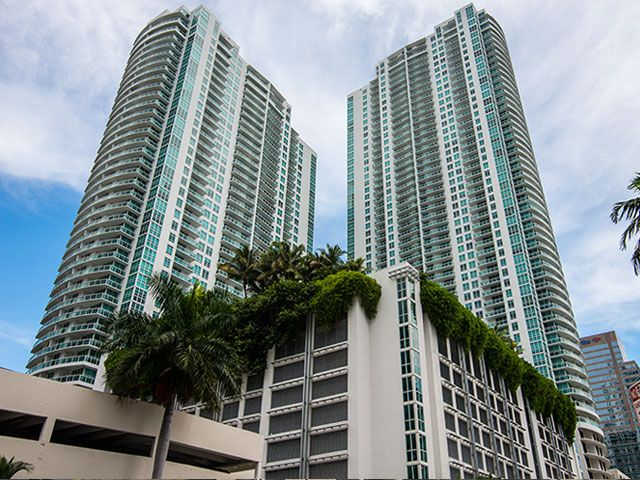 The Plaza on Brickell apartments for sale and rent