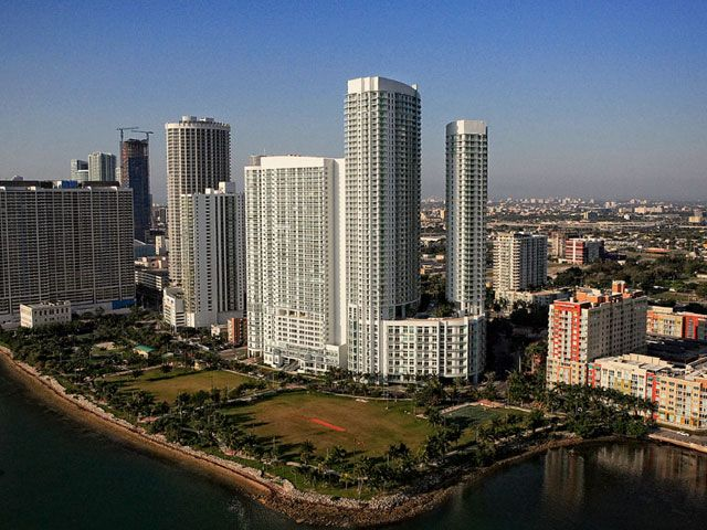 Quantum on the Bay apartments for sale and rent
