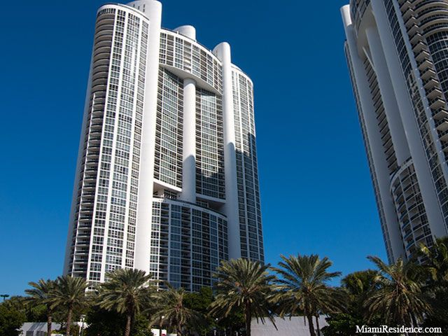 Trump Royale Beachfront Condominiums For Sale And Rent In Sunny Isles Beach Florida Sunny
