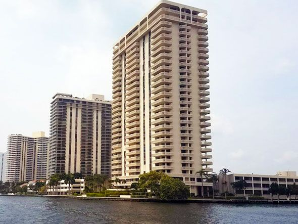 Turnberry Isle apartments for sale and rent