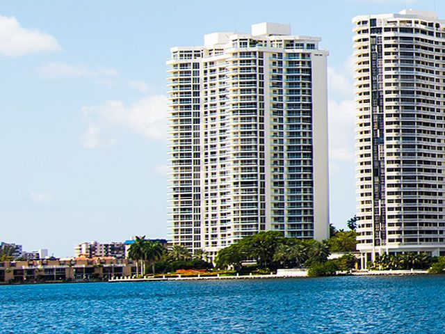 Williams Island 2600 apartments for sale and rent