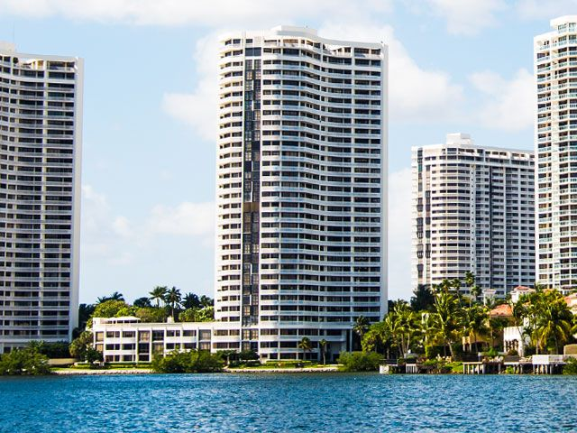 Williams Island 3000 apartments for sale and rent