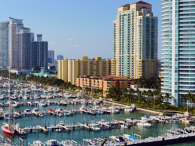 Yacht Club Apartments For And Rent