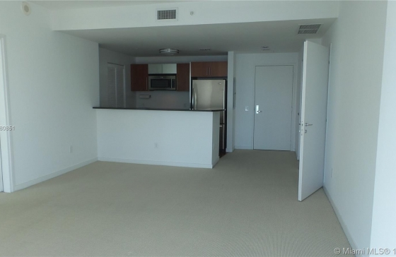 Miamiresidence apartments for sale miami property for Bedroom 80 humidity