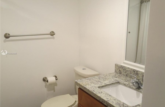 Miamiresidence apartments for sale miamibch property for Bedroom 80 humidity