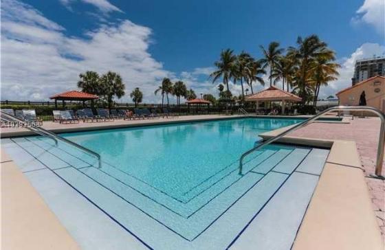 Apartments For Sale In Club Atlantis Miami Beach