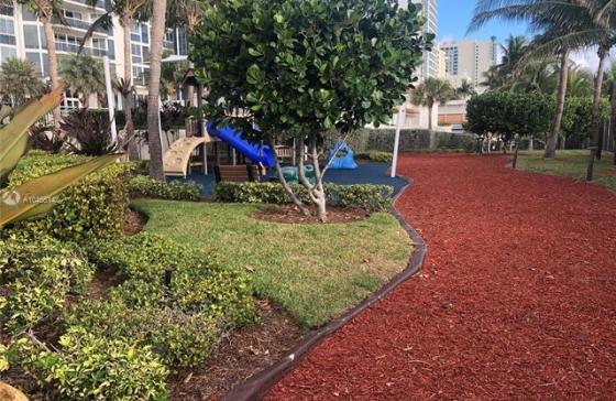 Blue Diamond Cafe Miami Beach