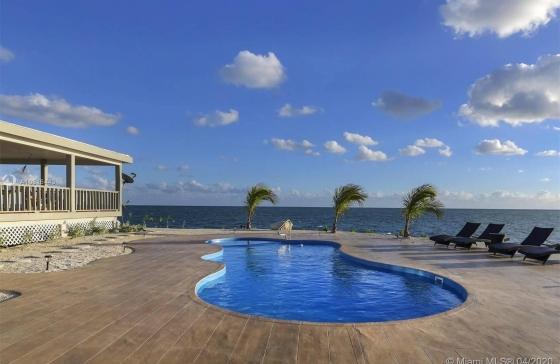 1  Eco Resort Hotel East Sister Rock Isl #
