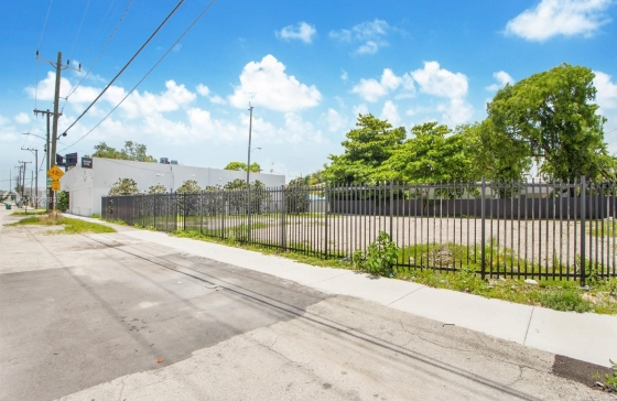 4000 NW 2nd Ave #